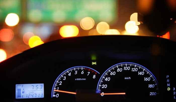 【プロが教える】10万キロ超えた中古車を買うときの注意点 タイベル交換?壊れない?逆に高い買い物?